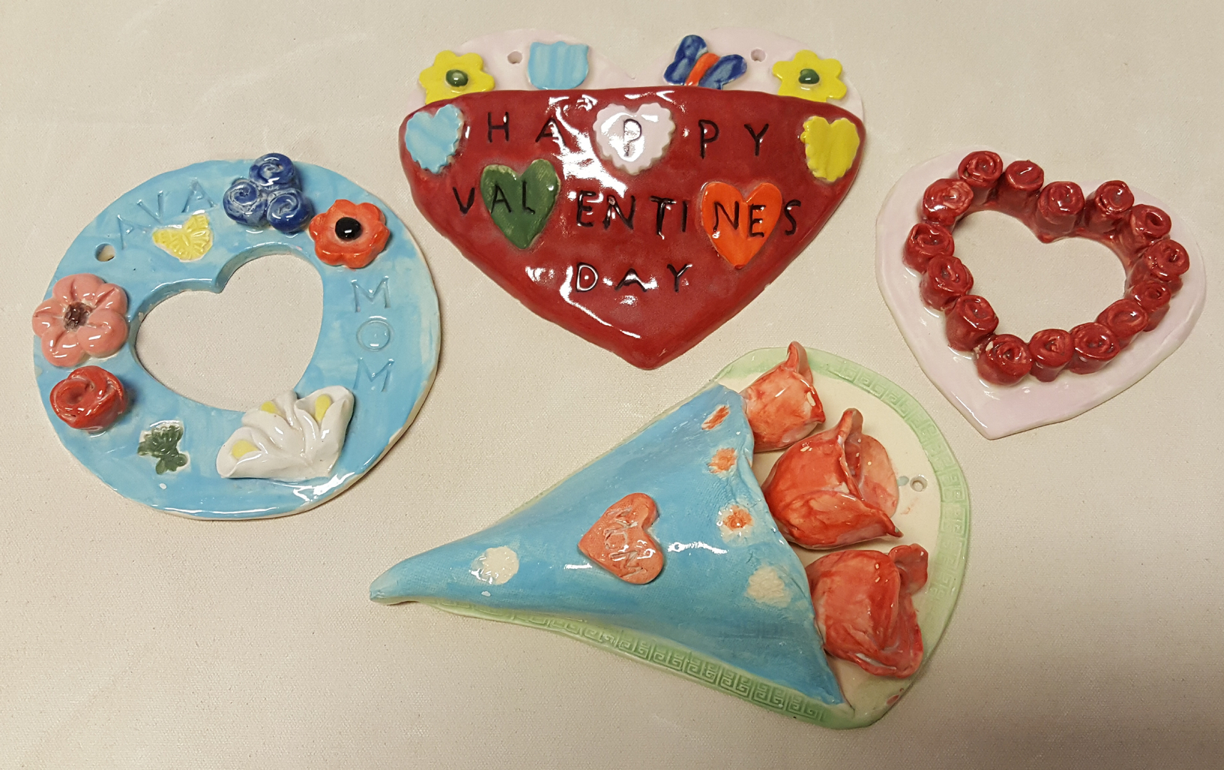 Christmas Paintings For Kids.Kids Clay Room Kids Pottery Kids Birthday Parties