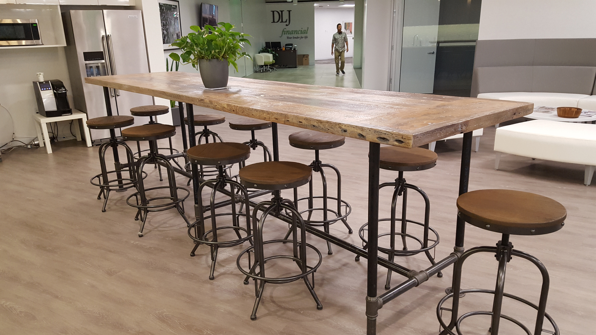 Fresh Restorations Reclaimed Wood Dining Table Tops Are Made By Hand Skilled Carpenters