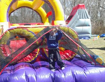 obstacle course with little boy for rent