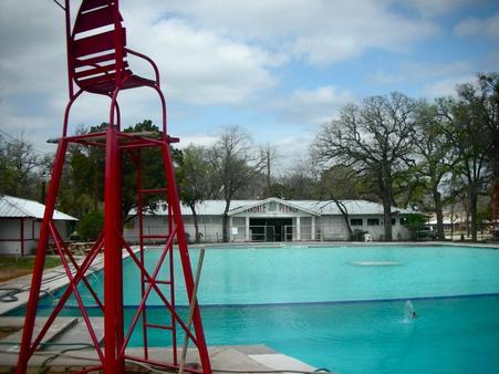 Oakdale Park Swimming Pool