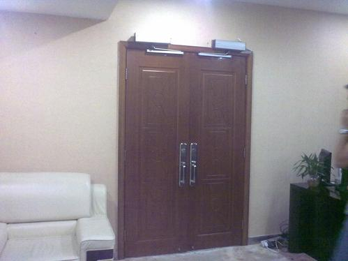 Why Automatic Swing Door Become Popular In Western Country