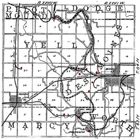1908 map showing the Chicago and Northwestern route through Moingona, the southernmost community on the map. The railroad crossed the Des Moines River between Moingona and Honey Creek. (Red dots on the map are coal mines.)