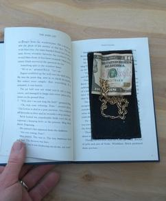 DIY Secret Hidden compartment Book Safe. FREE step by step instructions. www.DIYeasycrafts.com