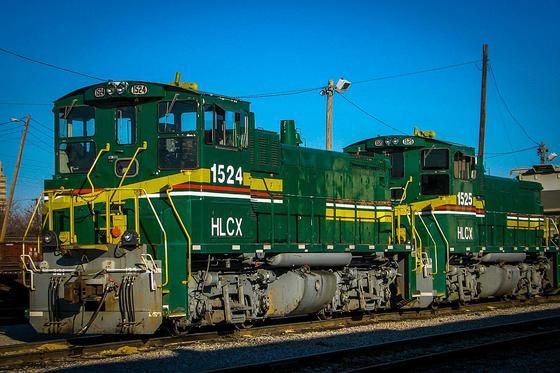 A pair of EMD SW1504 locomotives at DGNO Mockingbird Yard in Dallas, Texas, January 2008.