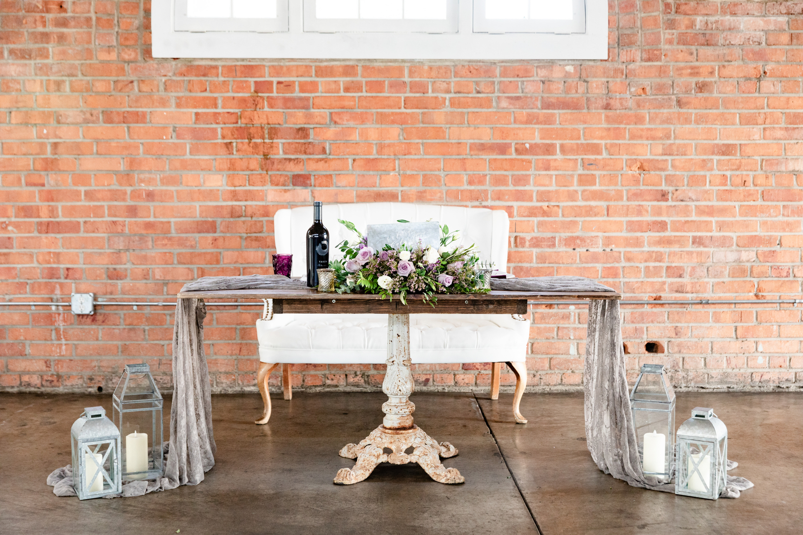 Fantastic Home Touched By Time Vintage Rentals Vintage Event Gmtry Best Dining Table And Chair Ideas Images Gmtryco