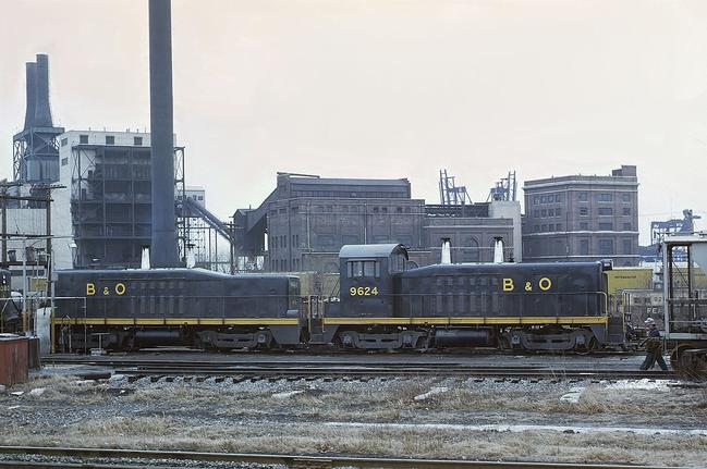 Baltimore and Ohio No. 9624 TR4 cow-calf set at Riverside Yard, Baltimore, in 1969. Photo by Roger Puta.
