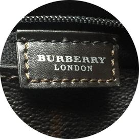 burberry-authentication-services-3