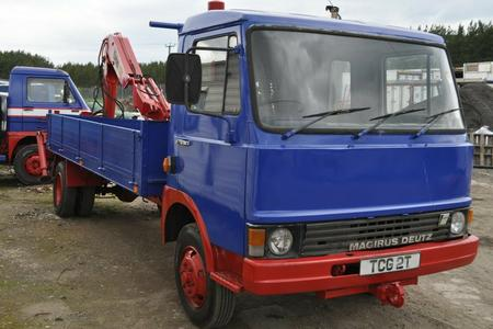 1982 MAGIRUS DEUTZ 90 M 75 TRUCK WITH HIAB