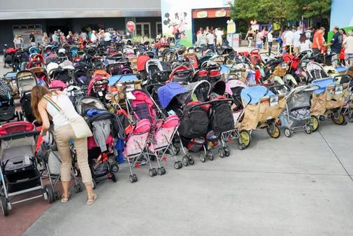 picture of stroller parking at DIsney