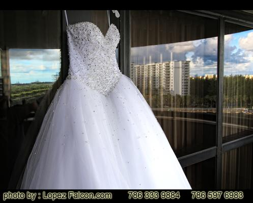quinceanera stage quince quinces court Sweet fifteens miami miami party fiesta de quince miami alissa falcon india indian party decoracion escenografia flores para quince bollywood 15 debutante Quinze Sweet sixteens 16 Florida USA Hialeah