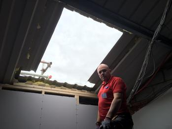 VELUX sheet metal window Install. PMV Maintenance - VELUX and Roto roof window / Skylight repair, replacement, installation, re-glazing, servicing, maintenance, Blinds, Leaks, repairs, Glass, renovation specialists covering London, Hertfordshire, Bedfordshire, Cambridgeshire, Essex, South London, North London and Central London.