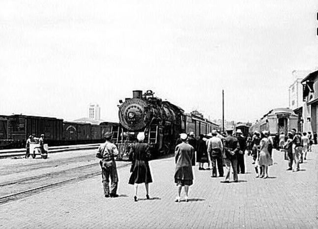 The Valley Flyer cars on Train No. 70 at San Diego.
