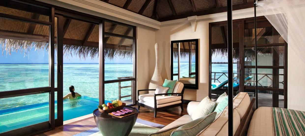 Four Seasons Resort Bora Bora: Overwater bungalow