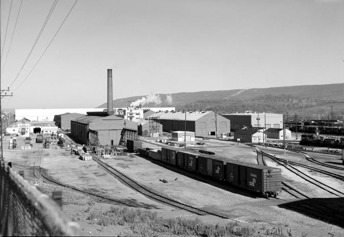 Juniata Shops at Altoona Works in 1988, during the Conrail era. Library of Congress.