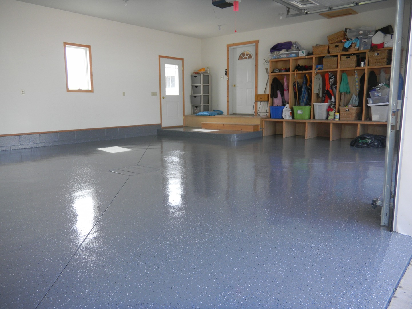 Mayo's Kustom Garage Floors Etc Llc - Concrete Floor Coatings, Epoxy on garage flooring, exterior coatings, industrial coatings, concrete coatings, garage lighting, garage windows, rubberized non-slip coatings, garage storage, protective coatings, garage countertops, roof coatings, garage plumbing, garage concrete repair, garage painting, garage concrete paint, patio coatings, wood deck coatings, garage cabinets, epoxy coatings, water-based polyurethane coatings,