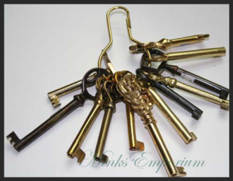 Antique Skeleton Barrel Keys