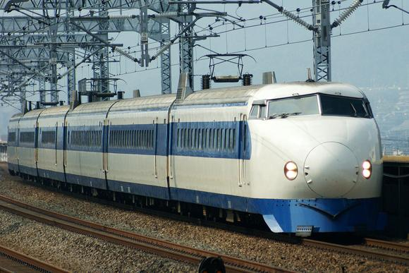 The Odakyu 3000 affected design of the first Shinkansen 0 series. This photo features a JR West 0 series shinkansen set repainted into its original livery at Fukuyama Station on the Sanyo Shinkansen.