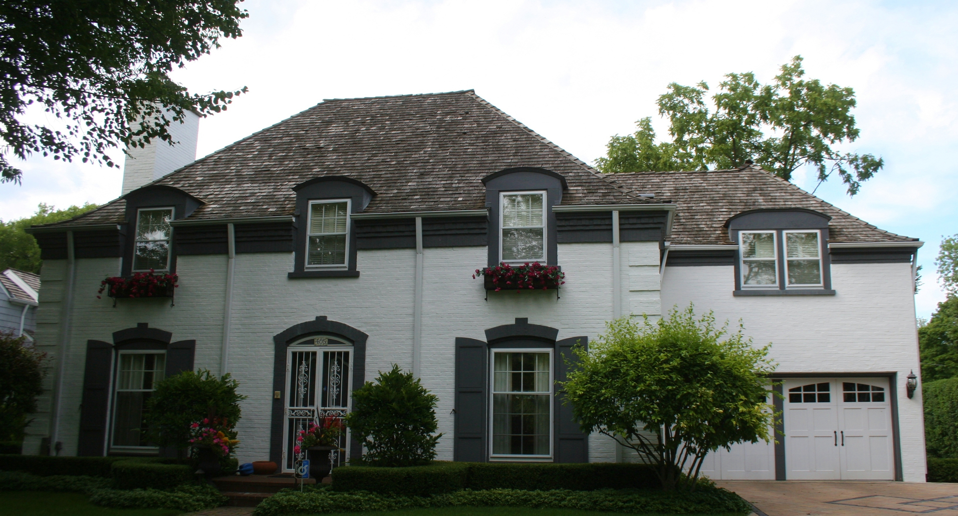 Low Pressure & High Pressure Cleaning Solutions Roofing Siding