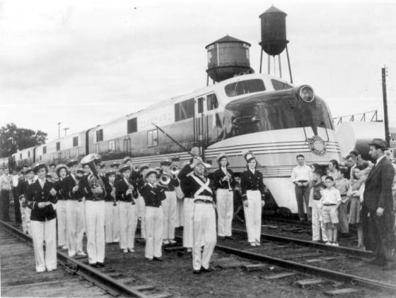 SAL EMC E4 No. 3003 leads the Orange Blossom Special into Plant City, Florida in December of 1939, inaugurating diesel service in the southeast.