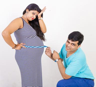 BEST MATERNITY PHOTOGRAPHERS IN NOIDA