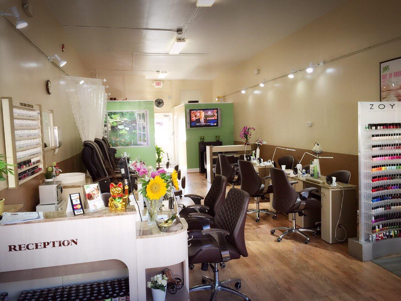 Divine Organic Nail Salon - Nail Salon, Nails, Manicure