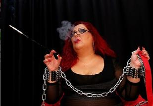 red head bbw smokes live