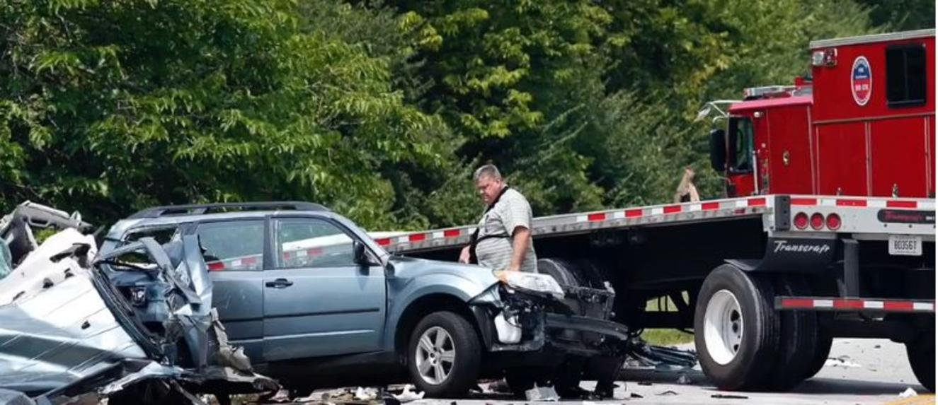 Two men, 87 and 46 years old, die in Lexington tractor