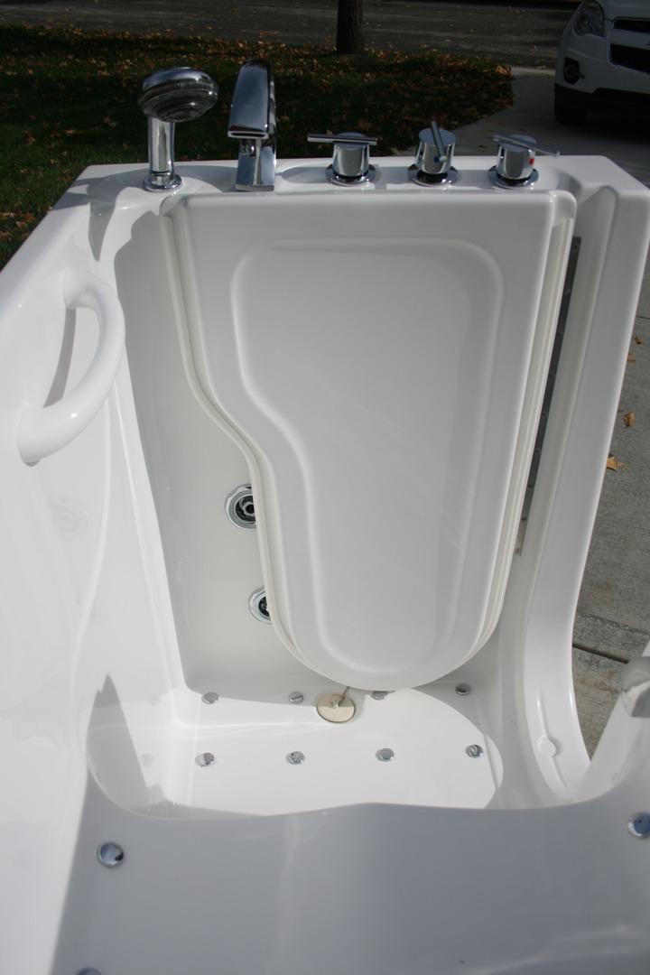 Walk-in Bath Tubs | Bathtubs | Bathing Safety