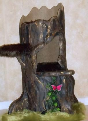 Wildwood Lair Tree Stump Cat Tree