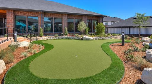 artificial turf putting greens
