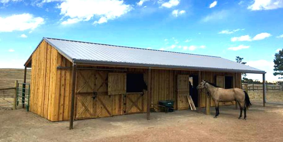 Horse Loafing Shed Row Barn