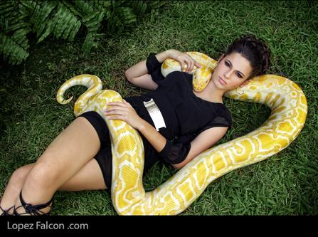 snake quinceanera serpiente fotos fotografias quince pictures with snake secret gardens lopez falcon