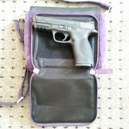 Gun Tote'n Mamas GTM-87 with Full-Size Pistol