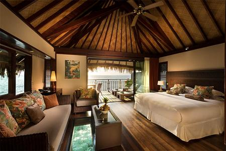 Hilton Moorea Lagoon Resort & Spa: Overwater bungalow room