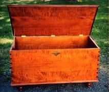 Blanket Chest w/ Ball Foot