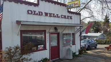 The 50's Style Old Well Grill features Hamburgers, Fries, Buttermilk Pancakes, Biscuits & Gravy, Ribs, Fish and Chips, Omelets, Chicken, Steaks, Corned Beef, and much more. Don't miss the Cheesecakes and Fresh Homemade Pie