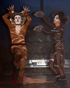 Macavity (Michael Larcombe) and Rumpleteazer (Ruby Davies)