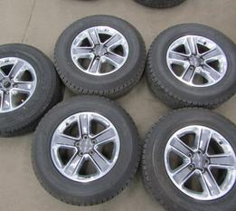 SET OF 5 Jeep Wrangler Sahara rims and tires