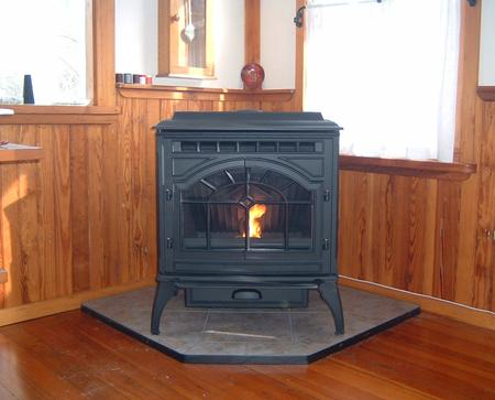 Quadra-Fire Mt Vernon AE pellet stove on tile hearth pad