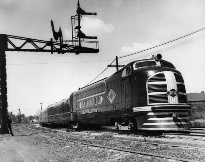 Illinois Central's original train The Green Diamond which went into service between Chicago and St. Louis in 1936. The consist included a combine baggage-mail car, four coaches, dining car, and observation parlor car, c. 1936.
