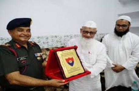 major-general-inspires-darul-uloom-deoband-students-to-join-army