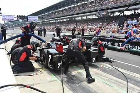 Schmidt Peterson Motorsports DP6000 Pit stop Competition Paoli Wheel Guns