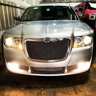 "Chrysler 300 ""Bentley Style"" Limo About us"