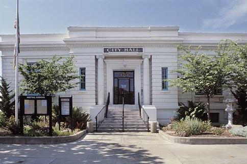 hollister city hall