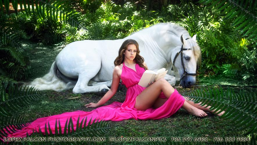 QUINCEANERA PHOTOGRAPHY WITH HORSE QUINCES HORSES SWEET 15 MIAMI FL USA