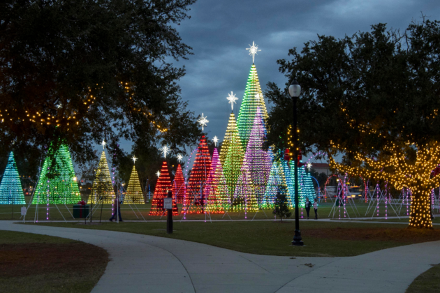 The beautiful Harbor Lights show in Gulfport, Mississippi is one of Universal Concepts' many installations across the U.S.