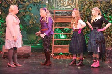 Bakers Wife (Georgia Tasker-Davies), Stepmother (Eileen Symonds) and the Step Sisters (Hannah and Lucy McLoughlin)