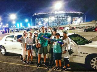 Metlife stadium stretch Limousine rental
