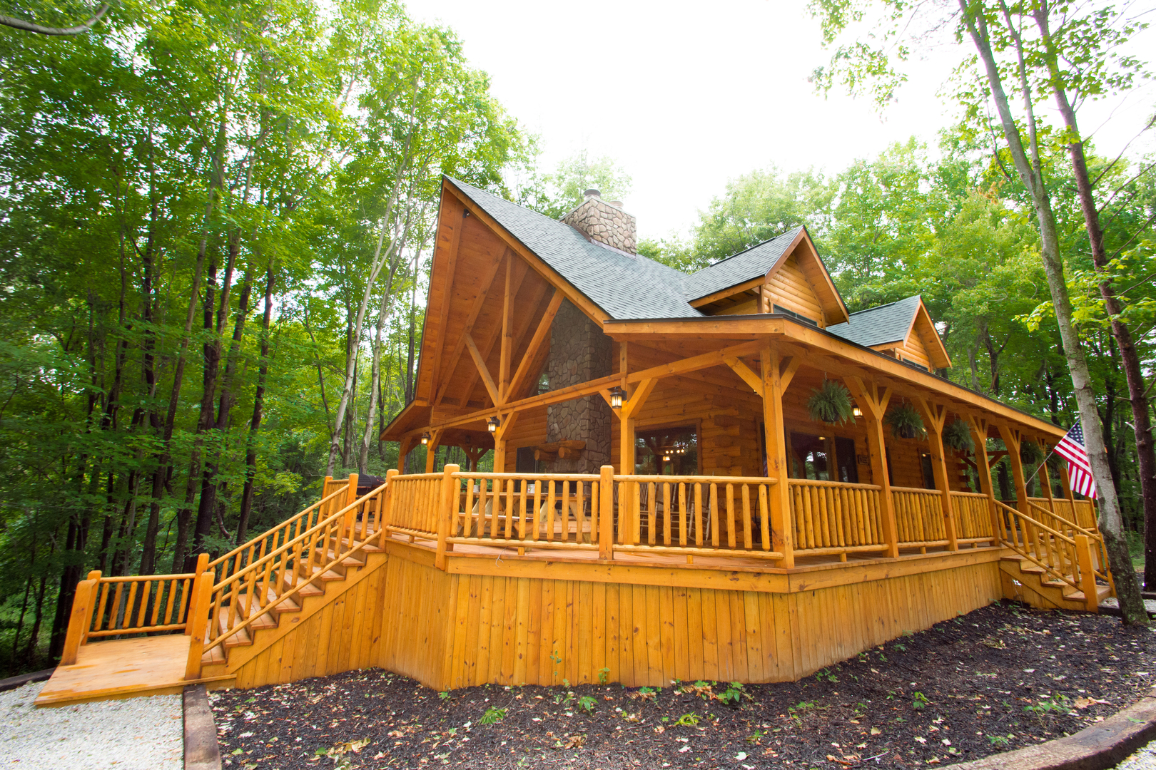 Luxury Lodge with hot tub in Hocking Hills | Liberty Log Lodging