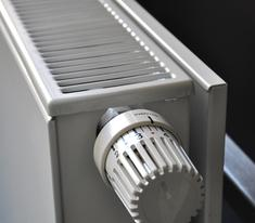Heater with knob side control.